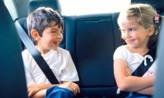 Καθαρά Δευτέρα: Τι πρέπει να προσέχουμε στους δρόμους όταν έχουμε  παιδιά στο αυτοκίνητο