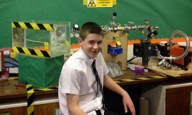 Είναι μόλις 13 χρονών και έφτιαξε τον πρώτο του πυρηνικό αντιδραστήρα!