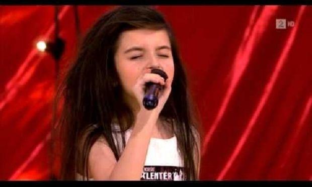 Ρίγη συγκίνησης! Η 7χρονη που έκανε τους κριτές να υποκλιθούν στο ταλέντο της! (βίντεο)