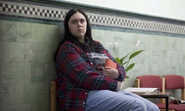 Τα παχύσαρκα έφηβα κορίτσια παρουσιάζουν πρόβλημα στις σχολικές τους επιδόσεις