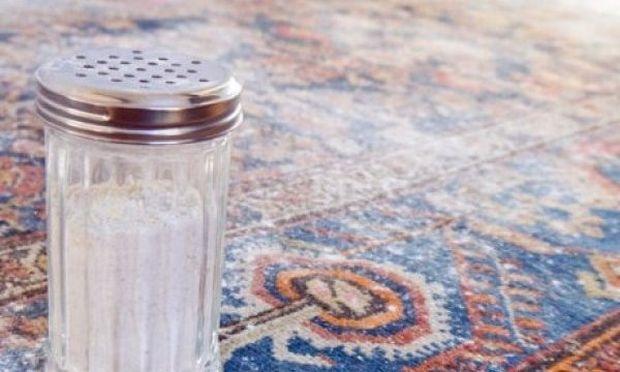 Αυτή η μαγική σκόνη θα καθαρίσει σε βάθος τα χαλιά σας