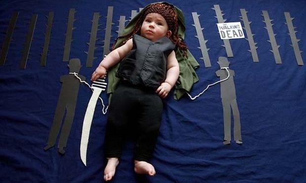 Μεταμφίεσαν το μωράκι τους σε διάσημους τηλεοπτικούς χαρακτήρες (εικόνες)