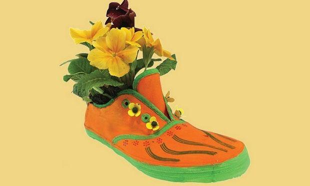 Χάλασε το παπούτσι του παιδιού σας; Μεταμορφώστε το σε γλάστρα!