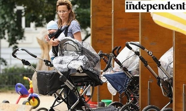 Eπαγγελμα μητέρα! Μισθός 119.000 ευρώ το χρόνο... καθαρά! (εικόνες)