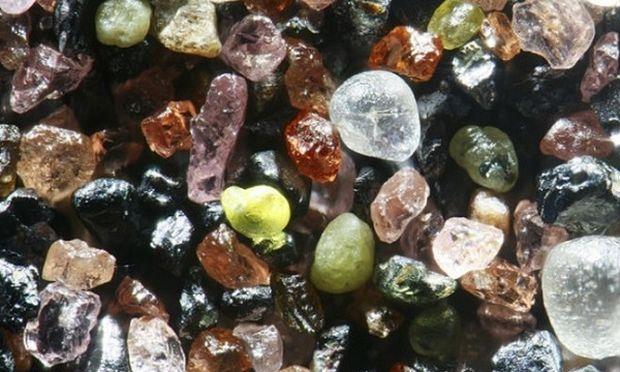 Δείτε πως είναι η άμμος στο μικροσκόπιο (εικόνες)