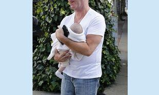Ο διάσημος μπαμπάς έφαγε στο εστιατόριο με τον… 2 μηνών γιο του! (εικόνες)