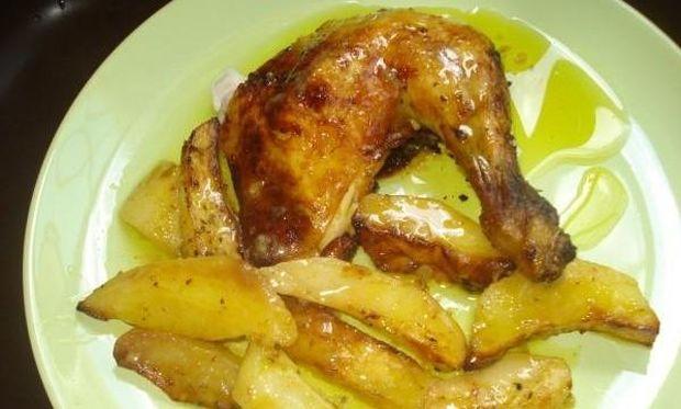 Συνταγή για ένα κλασικό και ζουμερό λεμονάτο κοτόπουλο φούρνου