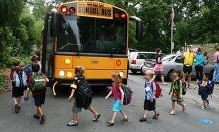 Οδηγός σχολικού το εγκατέλειψε γιατί δεν άντεχε τις φωνές των παιδιών! (βίντεο)
