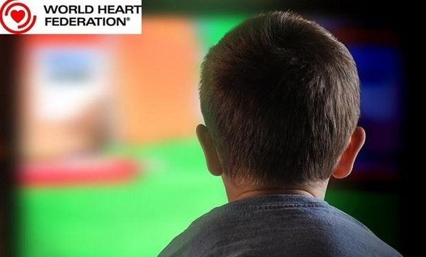 Ο μεγάλος κίνδυνος για τα παιδιά από τις ώρες στην TV και τον υπολογιστή