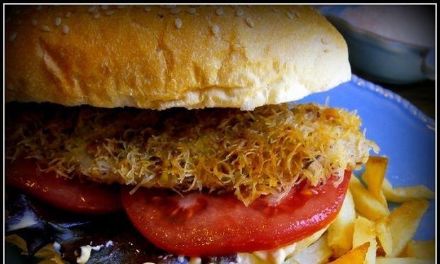 Συνταγή για ένα λαχταριστό burger ψαριού