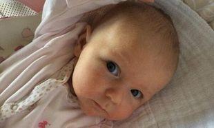 «Αυτή είναι η κορούλα μας»! Οι διάσημοι γονείς σύστησαν την κόρη τους μέσω Twitter!
