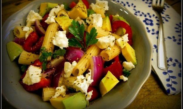 Συνταγή για μια δροσερή σαλάτα ζυμαρικών!