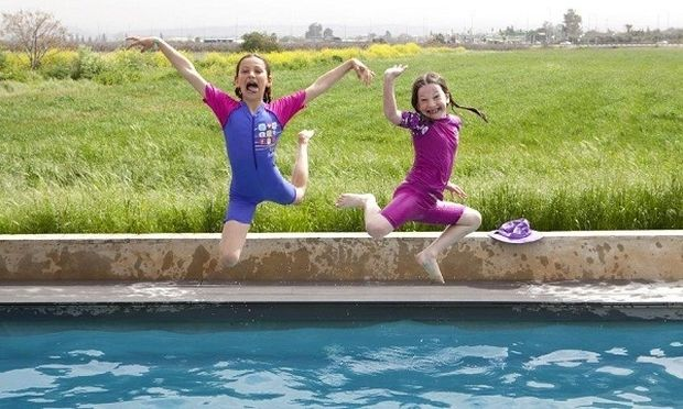 Αντηλιακά μαγιό! Κρατάμε τον ήλιο μακριά από το δερματάκι των παιδιών μας!