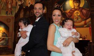 Η Καλομοίρα βάφτισε τους γιους της! Δείτε φωτογραφίες από το μυστήριο!