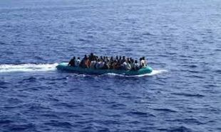 Πάνω από 100 παιδιά διασώθηκαν από βάρκες με μετανάστες νότια της Ιταλίας