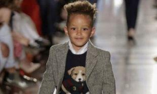 Ποιας διάσημης τραγουδίστριας είναι γιος το αγοράκι που έκανε το ντεμπούτο του στο catwalk!