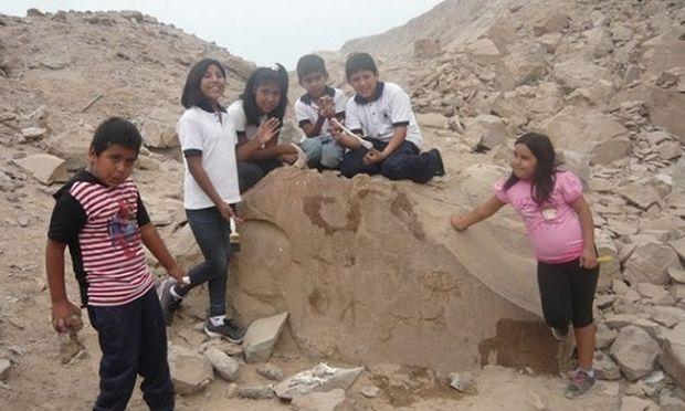 Μαθητές της Χιλής ανακάλυψαν μούμια ηλικίας 7.000 ετών!