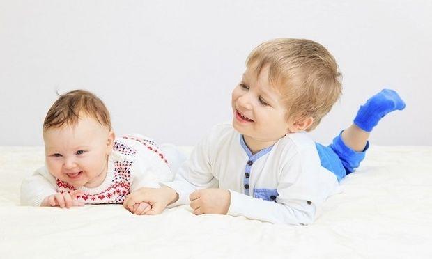 Πόση διαφορά ηλικίας είναι καλό να έχουν τα παιδιά μου;