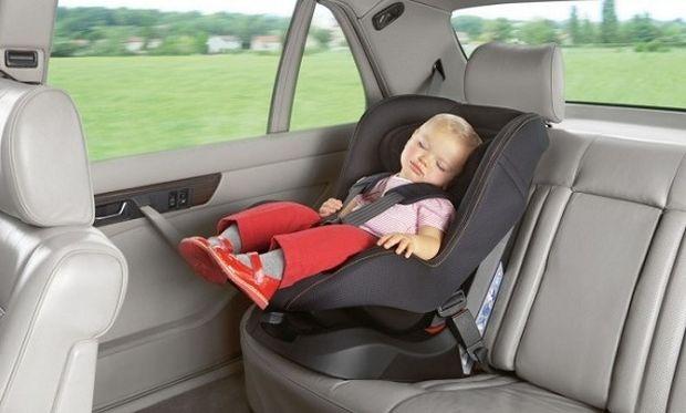 Τι να προσέξω για να έχω ένα ασφαλές κι ήρεμο οδικό ταξίδι με το μωρό μου;