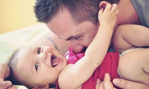 Η πατρότητα «αλλάζει» τον εγκέφαλο του άνδρα σε πέντε σημεία!