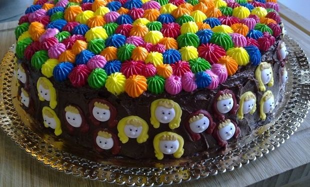 Αυτός είναι ο καλύτερος τρόπος για να κόψετε την παιδική τούρτα και να την διατηρήσετε στο ψυγείο! (βίντεο)
