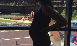 Διάσημη τραγουδίστρια ανακοινώνει στο Facebook την εγκυμοσύνη της! Φούσκωσε πολύ...