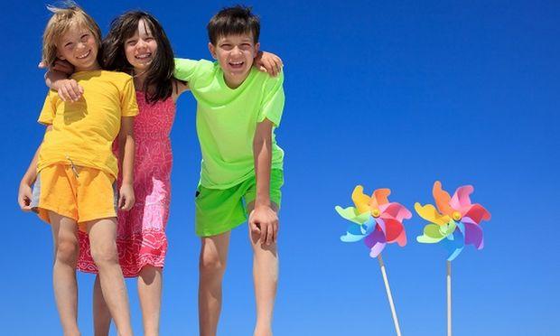 «Yγιή και ασφαλή παιδιά αυτό το καλοκαίρι». Οδηγίες και συμβουλές από την παιδίατρο Μαριαλένα Κυριακάκου