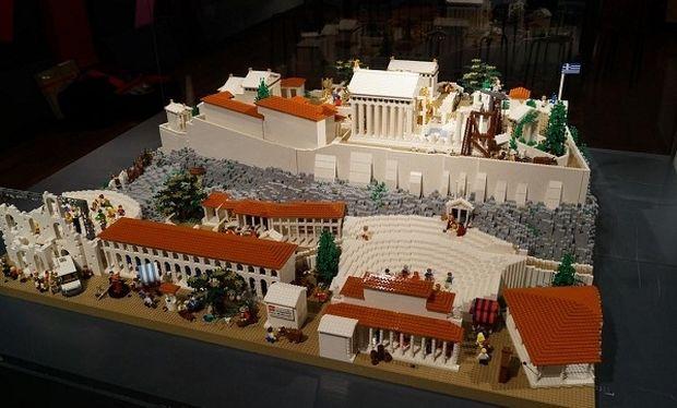 Μοναδικό! Μία Ακρόπολη φτιαγμένη από… Lego (εικόνες)