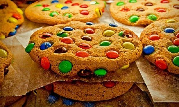 Συνταγή για μπισκότα με Smarties! Αυτό το κέρασμα θα το λατρέψετε!