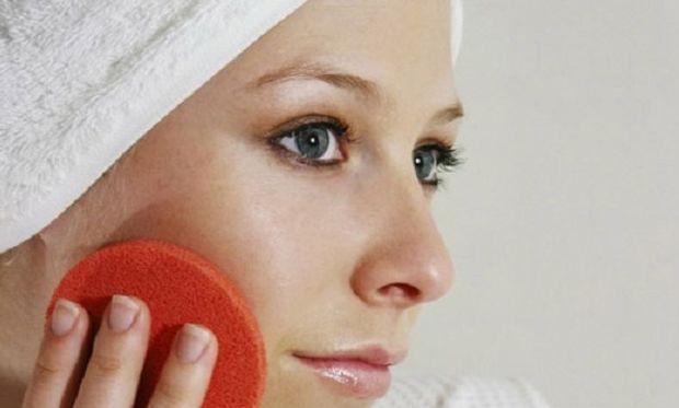 Βάλε τέλος στις κοκκινίλες με αυτήν την «θαυματουργή» μάσκα!