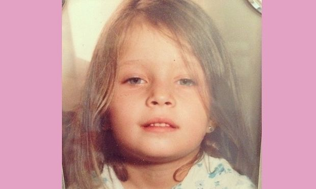 Αυτό το πανέμορφο κοριτσάκι μεγάλωσε κι έγινε μία από τις ωραιότερες Ελληνίδες! (εικόνα)