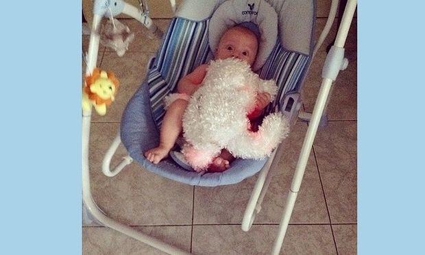 Διάσημη Ελληνίδα μαμά μας συστήνει για πρώτη φορά το μωράκι της! (εικόνες)