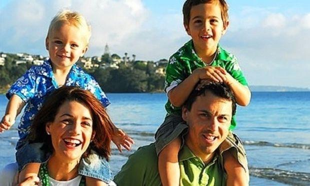 Αυτά είναι τα 4 πράγματα που δεν πρέπει να κάνουν τα παιδιά σας στις διακοπές για πρώτη φορά!