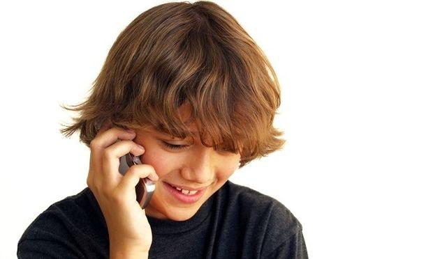 Τι να κάνω όταν το παιδί μου ζητάει να του αγοράσω κινητό τηλέφωνο;