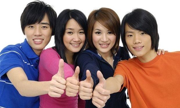 Γιαπωνέζοι μαθητές επισκέπτονται το Απολιθωμένο Δάσος της Λέσβου