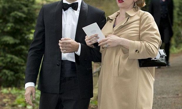 Γάμος αστραπή με την κοιλιά στο στόμα για την αγαπημένη ηθοποιό! (εικόνες)