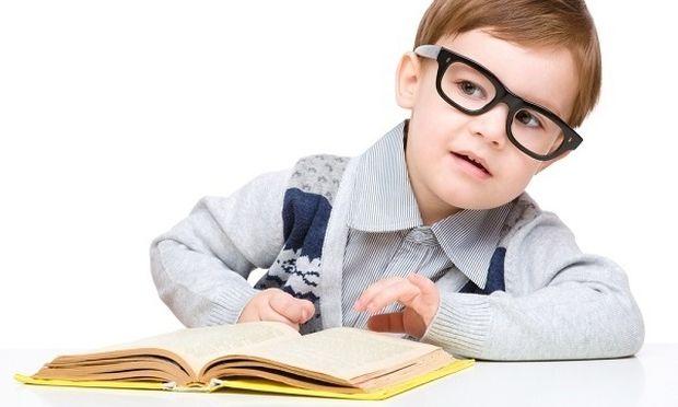 Το τίμημα της μόρφωσης: Οσο αυξάνουν τα χρόνια εκπαίδευσης, τόσο μεγαλώνει η μυωπία!