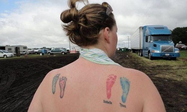 Δείτε τα χειρότερα και τα καλύτερα τατουάζ που έκαναν γονείς προς τιμήν των παιδιών τους!