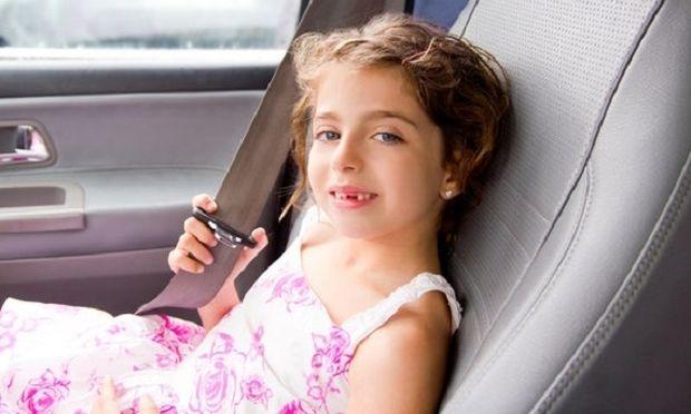 Μην βάζετε ποτέ το παιδί στην θέση του συνοδηγού!