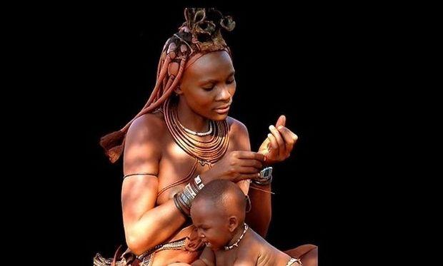 Χίμπα, η άγνωστη φυλή της Αφρικής που... υμνεί τα παιδιά!