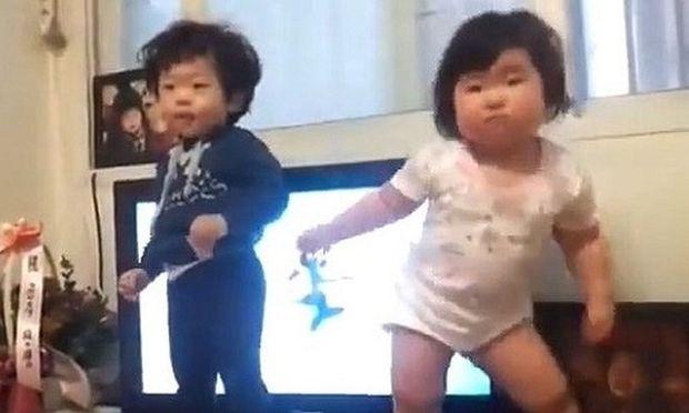 Shake it! Αυτά τα μωρά ξέρουν τι θα πει ρυθμός και χορός! (βίντεο)