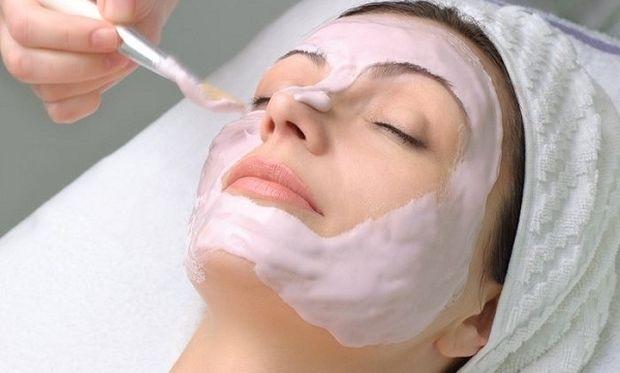 Ο καλύτερος καθαρισμός προσώπου γίνεται με αυτή τη μάσκα!