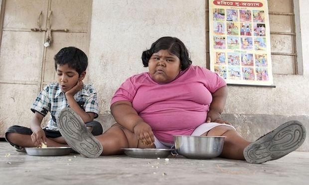 Γνωρίστε ένα από τα πιο παχύσαρκα παιδιά του κόσμου: Την 9χρονη Ινδή που ζυγίζει 92 κιλά! (βίντεο)