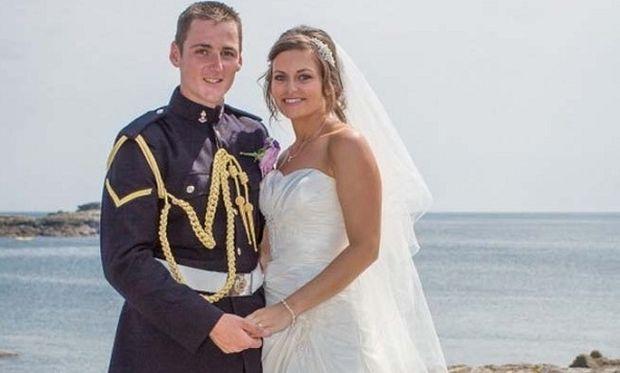 Αυτές είναι συμπτώσεις! Η νύφη εντοπίστηκε σε παιδική φωτογραφία του συζύγου της! (εικόνα)