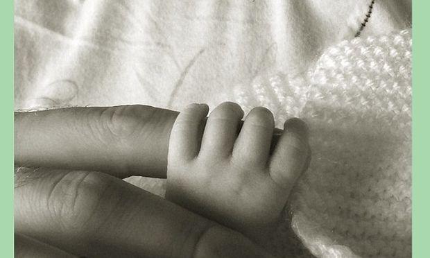 Διάσημη μαμά μας δείχνει την πρώτη φωτογραφία του νεογέννητου μωρού της! (εικόνες)