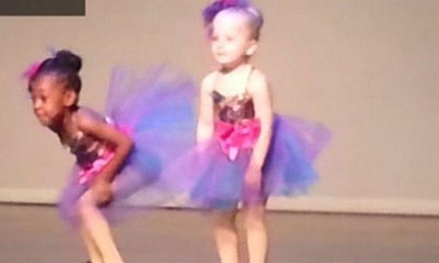Η μικρή χορεύτρια δίνει ρεσιτάλ! Το πιο απολαυστικό βίντεο που έχετε δει