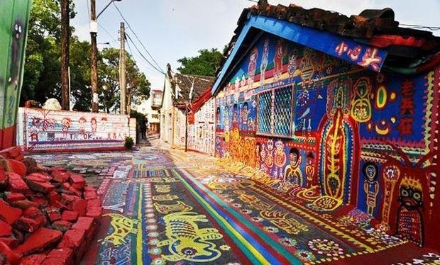 Απίστευτο: Αυτό το χωριό είναι γεμάτο με ζωγραφιές! (εικόνες)