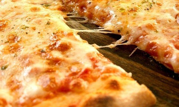 Συνταγή για την πιο γρήγορη πίτσα μαργαρίτα!