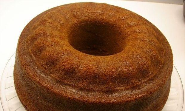 Συνταγή για πεντανόστιμο σοκολατένιο κέικ της… κρίσης!