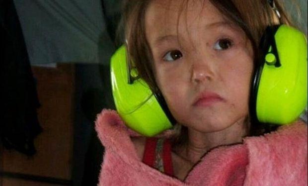 Συγκλονιστικό: Δείτε το βίντεο με το 3χρονο κοριτσάκι που επιβίωσε 11 μέρες σε δάσος της Σιβηρίας